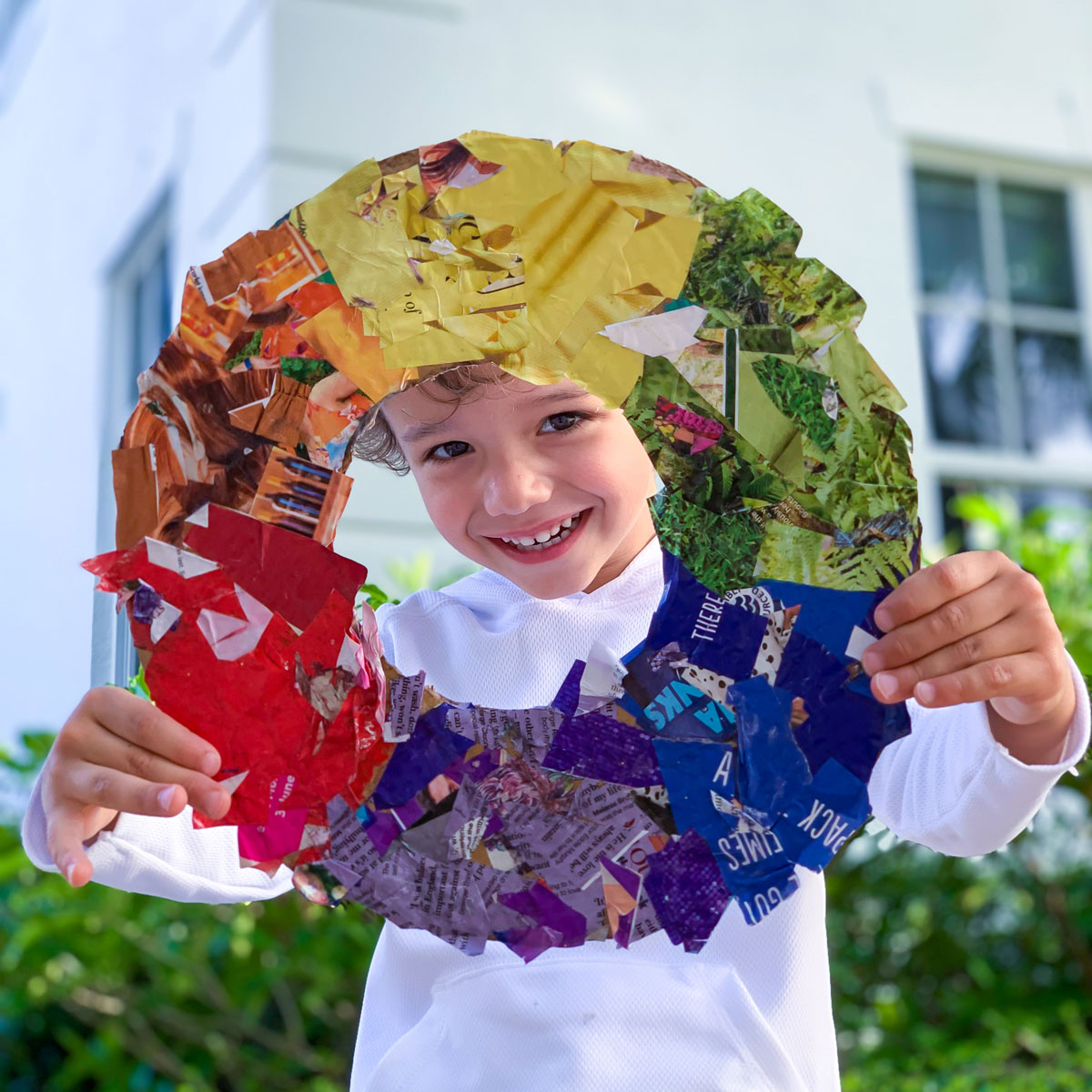 Wreath Craft – Genius Re-Use of Old, Colorful Magazines